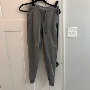 Lululemon sweatpants size 6